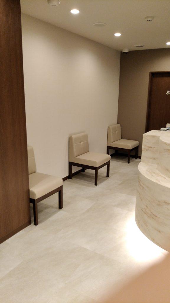 ソーシャルディスタンスが確保しやすい池袋のメンタルクリニックの待合室