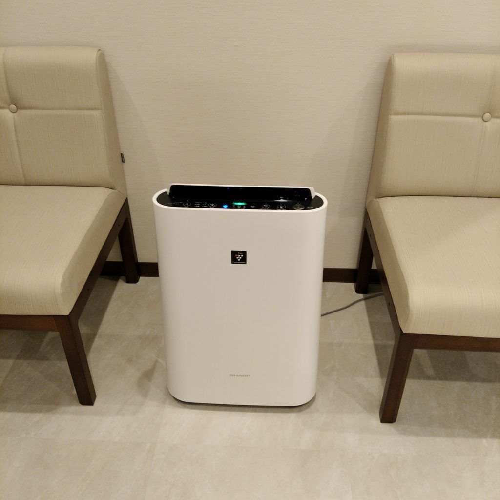 池袋の心療内科の待合室の加湿空気清浄機
